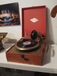Un fonografo, y funciona...