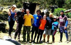 De izquierda a derecha: Kimberly Chin, Jose Antonio (primo), Alexander Pesci, Jose Juan Lamas, Martha Rojnick, Juan Rondón, Maria Bastardo, Jose Antonio