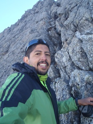 Grieta de acceso a la Cumbre occidental del Toro